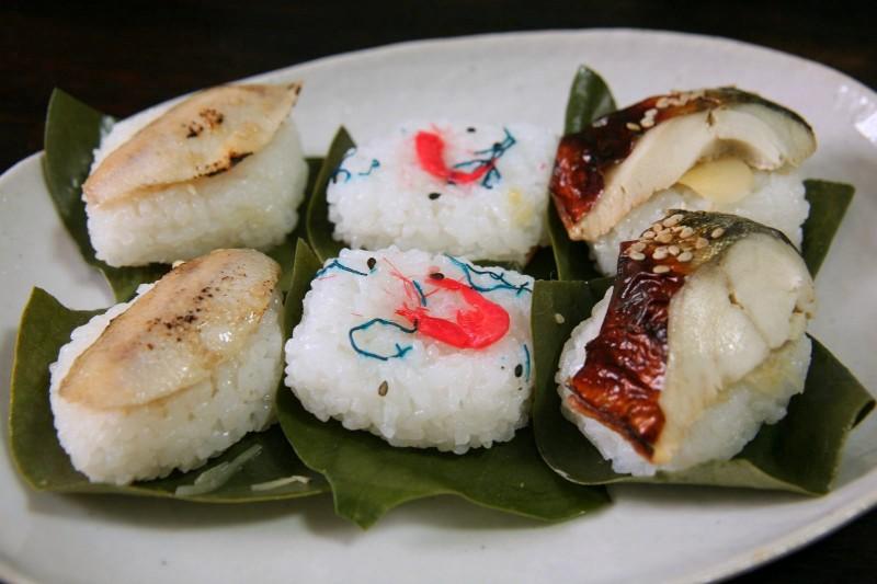 石川の柿の葉寿司