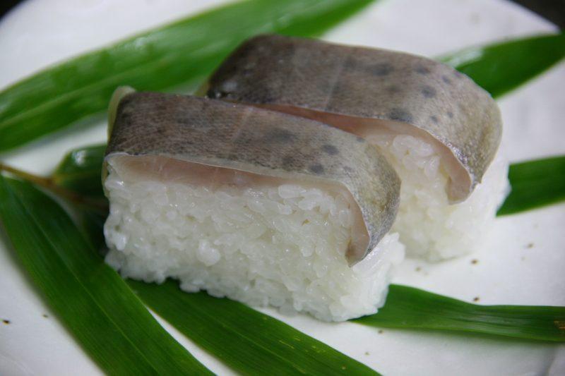 ヤマメの押し寿司